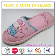 Hot selling cute embroider woman open toe slipper