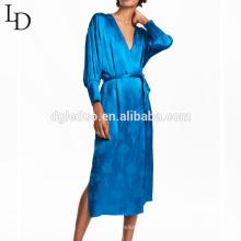 Blaues Frauen-Pyjamas der neuen Ankunft langes Nachthemd der langen Hülse für Dame