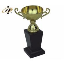 Самый быстрый способ настроить металлическая конструкция кулаком трофей