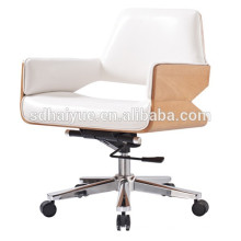 2017 Best Seller white genunine leather comfortable wooden boss chair