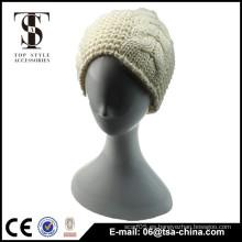 Beige y negro mujer elegante sombrero de invierno de color