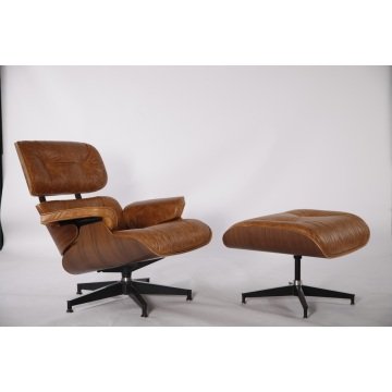 Charles e Ray Eames Lounge Chair e otomano