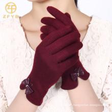 ZF5189 Neueste Stile rote Farbe Touchscreen weiche Wolle Handschuhe für Damen