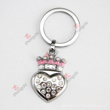 Promocionais barato liga real coroa coração em forma de metal chaveiro