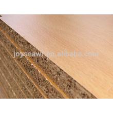 Panel de partículas aglomerado Precio / Tablero aglomerado impermeable de la madera / de la melamina para los muebles