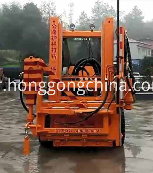 Hydraulic Hammer for Guardrail Mounting