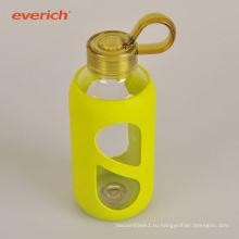 Яркая прозрачная прозрачная прозрачная бутылка с двойной стеной
