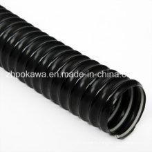 Гибкий шланг из ПВХ черного цвета со стальной спиралью