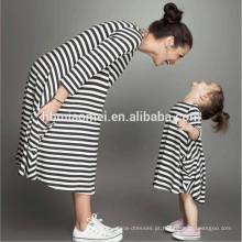 Crianças vestidos de alta qualidade de algodão listrado vestido de mamãe e me roupas com manga longa