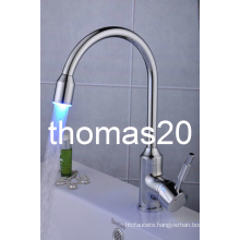 LED Hydropowered Kitchen Faucet/Mixer Tap Qh114f