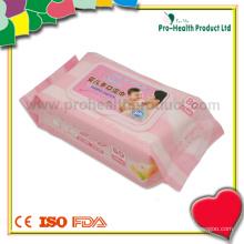 Tissu mouillé et à la main pour bébés