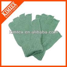 2015 Unisex wholesale acrylic custom knitted half finger gloves
