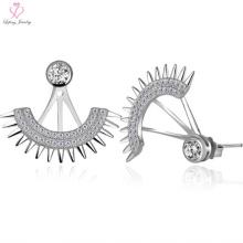 Fashionable 925 Sterling Silver Fan Shaped Stud Earrings with Diamond