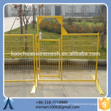 2015 new design Canada standard galvanized PVC coated welded wire mesh temporary fence