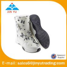Botas de nieve mujer piel blanca con gancho y bucle
