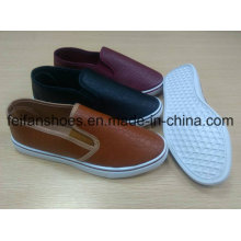 Novos sapatos de injeção de chegada dos homens com PU superior, Slip-on sapatos casuais com bom preço