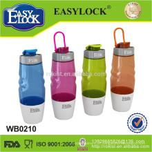 Garrafa de água plástica quente de 580ml em formas diferentes