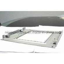 Fabricação da chapa metálica do painel ou com as peças do corte do laser da dobra, processo de rebitação
