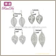 2013 en línea de diseño de hoja al por mayor pendientes pendientes de acero inoxidable joyas de moda fabricante