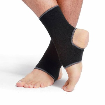 Neoprene Black Active Aircast Foot dan Ankle Brace
