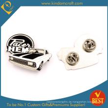 Heißer Verkaufs-Andenken-Pin-Abzeichen mit Emaille in der alten Auto-Form im Weiß