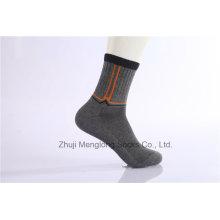 Los calcetines del vestido de los calcetines del algodón del negocio del hombre de la manera diseñan Customed