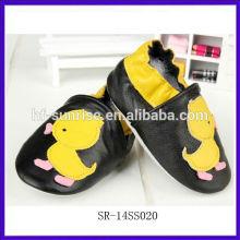 SR-14SS020 zapatos de bebé divertidos de cuero verdaderos de la manera nuevos zapatos de bebé baratos baratos de China zapatos planos del bebé