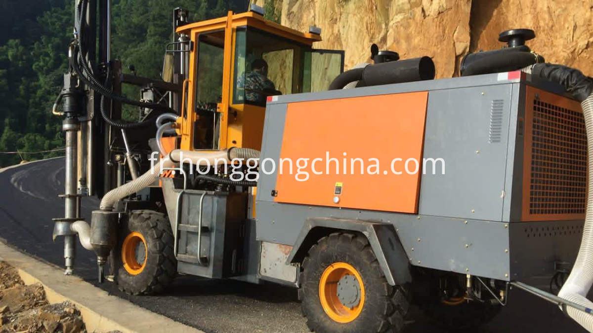 Vibratory Hammer Hydraulic Drilling Machine