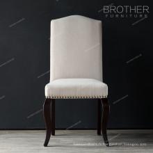 Tissu nailheads intérieur style mobilier dinant la chaise