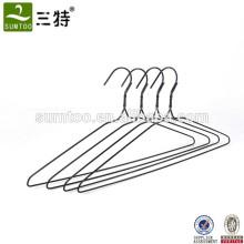 Cintres enduits de fil en métal de PVC de prix bon marché pour sécher des vêtements