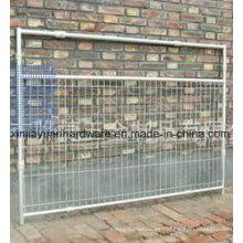 Puerta de metal con alambre de soldadura