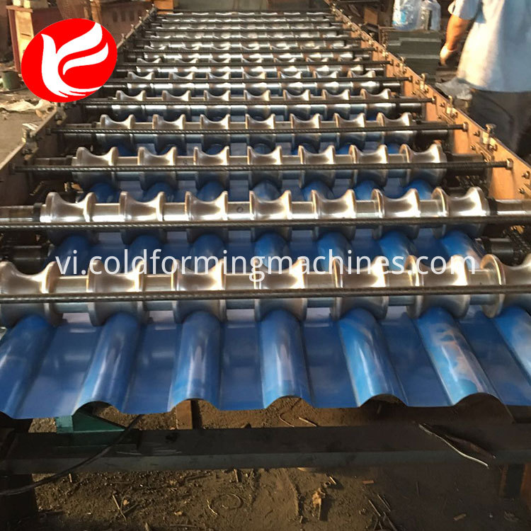 glazed tile roll forming machine 10