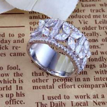 2015 Оптовая Женская мода AAA CZ 925 Серебряное кольцо ювелирных изделий (R10507)