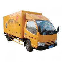 Vehículo generador de camión en movimiento