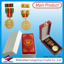 Полиция ОАЭ и военная медаль в Дубае, Кожаный ящик, Золотая армейская коробка Значок для штифта для ленты с булавкой бабочки (lzy-201300296)