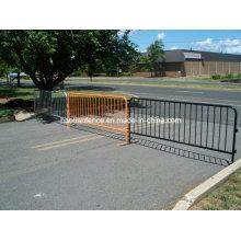 Barrera de acero para control de multitudes - naranja