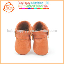 Zapatos al por mayor del bebé de la vaca del marrón de los mocasines del bebé de los zapatos al por mayor