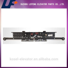 Tipo Europeo Selcom AC Center Apertura Dos Panel Elevador Puerta Fábrica / Fabricante / Proveedor