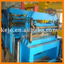 Machine de formage pour profil en acier