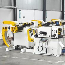 O equipamento de estampagem pressiona alimentadores de bobina