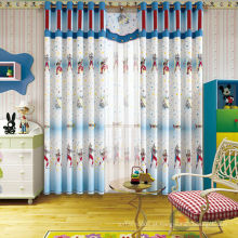 Cortina de tecido de impressão Ultraman combinada com mobiliário de sala de crianças