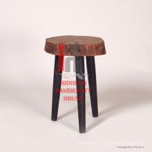 Tabouret de bois