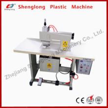 Machine à coudre à lame à ultrasons pour la coupe de fleurs artificielles (CE)