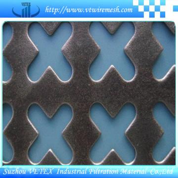 Formes diverses de maille perforée