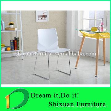 silla de plástico apilable de metal con marco metálico