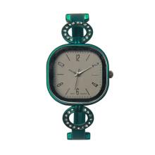 Las mujeres del nuevo diseño pulsera de oro muñeca famale oro relojes para dama