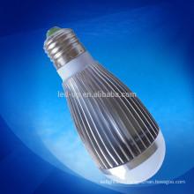 Освещение светодиодных ламп 7W и E27