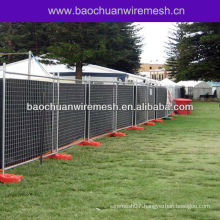 Outdoor temporary event fencing