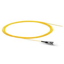 Pigtail FC pour réseau à fibre optique utilisant