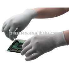 Guante de ESD sin costuras de nylon 13G con PU blanca en la parte superior del dedo.